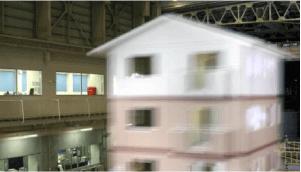 3階建て実大建物の耐震実験